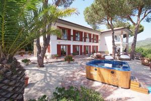 Villa Capitorsola - AbcAlberghi.com