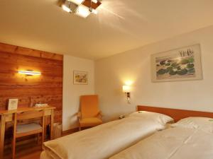 Hotel Alpenblick, Hotel  Zeneggen - big - 13