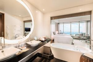 Twin Room with Bay View