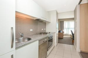 Pier Luxury Apartments, Apartmány  Adelaide - big - 6