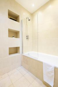 New Super 1 BD Flat in the Heart of Islington, Apartmány  Londýn - big - 13