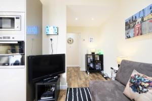 NEW 2BD Flat in Vibrant City Centre Camden!, Apartments  London - big - 5