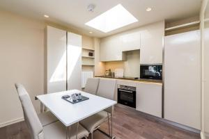NEW Modern 2BD House in the Heart of Hampstead, Апартаменты  Лондон - big - 5