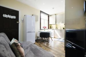 NEW 2BD Flat in Vibrant City Centre Camden!, Apartmány  Londýn - big - 8