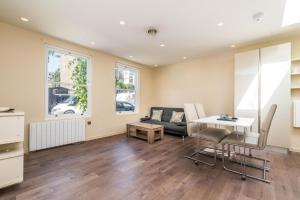 NEW Modern 2BD House in the Heart of Hampstead, Apartmány  Londýn - big - 8