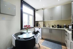 NEW 2BD Flat in Vibrant City Centre Camden!, Apartments  London - big - 17