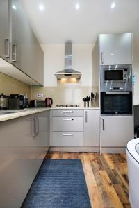 NEW 2BD Flat in Vibrant City Centre Camden!, Apartmány  Londýn - big - 24