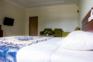 Hotel Mirambeau, Отели  Ломе - big - 15