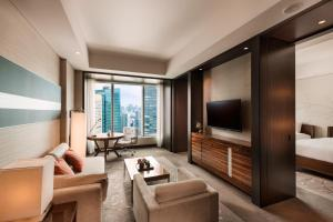 Twin Suite with City View
