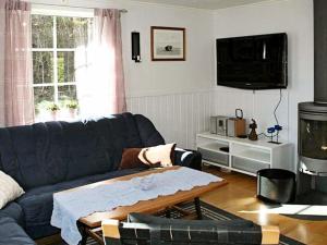 Four-Bedroom Holiday home in Fjällbacka 1, Ferienhäuser  Fjällbacka - big - 12