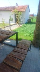 Rent House Gjiri Lalezit