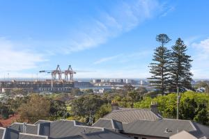Studio 311 with ocean views, Apartments  Fremantle - big - 8