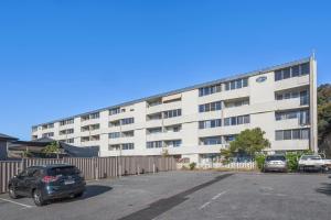 Studio 106 with balcony, Apartments  Fremantle - big - 13