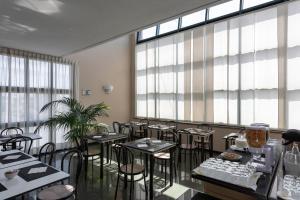 Hotel Motel Futura, Motely  Paderno Dugnano - big - 30