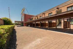 Hotel Motel Futura, Motels  Paderno Dugnano - big - 38