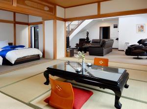 Condominium Panoramique Motomachi, Apartments  Hakodate - big - 55
