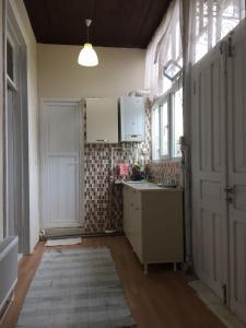 Lazuri Keria Family Guesthouse, Penziony  Khoni - big - 48
