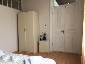 Lazuri Keria Family Guesthouse, Penziony  Khoni - big - 37