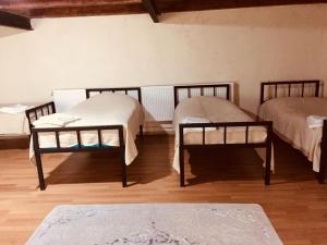 Lazuri Keria Family Guesthouse, Penziony  Khoni - big - 31