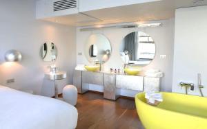 Designer Silver Suite