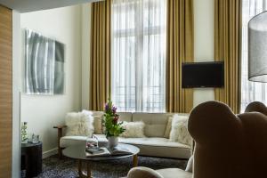 Hotel Marignan Champs-Elysées, Отели  Париж - big - 58