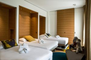 Hotel Marignan Champs-Elysées, Отели  Париж - big - 59