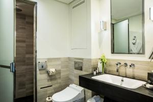 Hotel Marignan Champs-Elysées, Отели  Париж - big - 11