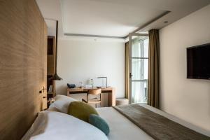 Hotel Marignan Champs-Elysées, Отели  Париж - big - 50