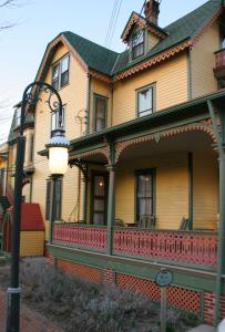 The Queen Victoria Bed & Breakfast, Bed and breakfasts  Cape May - big - 130