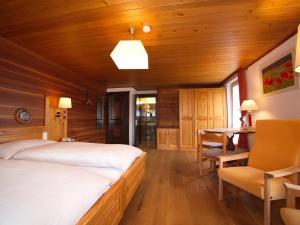 Hotel Alpenblick, Szállodák  Zeneggen - big - 46