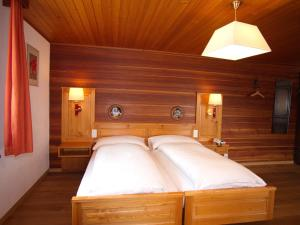 Hotel Alpenblick, Hotel  Zeneggen - big - 22