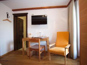 Hotel Alpenblick, Hotel  Zeneggen - big - 21