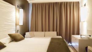 Augustus, Hotel  Cambrils - big - 39