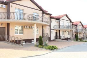 Hotel Chernomorsky Complex of Townhouse, Hotely  Kabardinka - big - 84