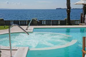 Hotel Villa Capri, Hotel  Gardone Riviera - big - 50