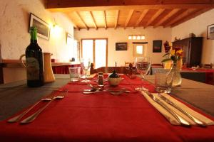 Le Jardin de la Sals (Ecluse au Soleil), Bed & Breakfasts  Sougraigne - big - 46