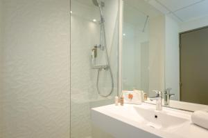 ibis Styles Cannes Le Cannet (1 of 64)