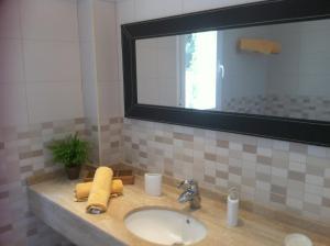 Confortable Apartment In Playa De Muro, Дома для отпуска  Плайя-де-Муро - big - 11