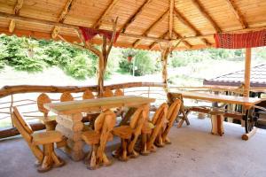Cabana Non Nobis, Дома для отпуска  Dîmbovicioara - big - 60