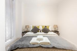 Luxury 2 BR in Knightsbridge by The Residences Group, Apartmanok  London - big - 5