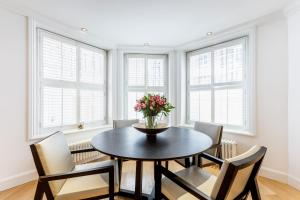 Luxury 2 BR in Knightsbridge by The Residences Group, Apartmanok  London - big - 8