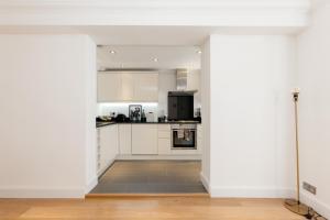Luxury 2 BR in Knightsbridge by The Residences Group, Apartmanok  London - big - 11