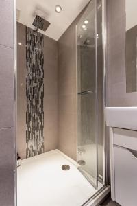 Luxury 2 BR in Knightsbridge by The Residences Group, Apartmanok  London - big - 15