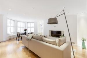 Apartma The Knightsbridge 2 bedroom by GY Residences London Velika Britanija