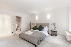 Luxury 2 BR in Knightsbridge by The Residences Group, Apartmanok  London - big - 23