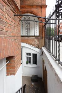 Luxury 2 BR in Knightsbridge by The Residences Group, Apartmanok  London - big - 24