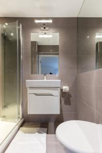 Luxury 2 BR in Knightsbridge by The Residences Group, Apartmanok  London - big - 29
