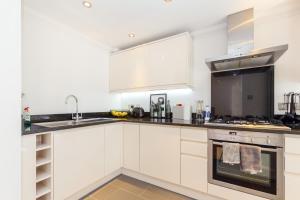 Luxury 2 BR in Knightsbridge by The Residences Group, Apartmanok  London - big - 30