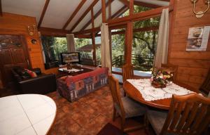 Lodge Y Cabañas Los Cisnes, Lodges  Valdivia - big - 22