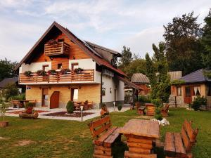 Guesthouse Green Valley, Guest houses  Jezerce - big - 53